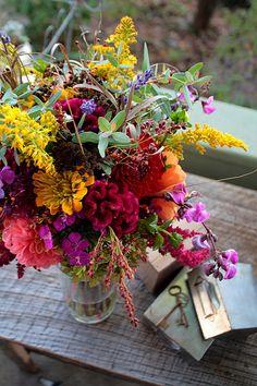 gorgeous wedding bouquet colors