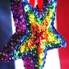 A POP OF COLOR! ▶ sparkling star