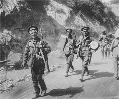British troops returning from trenches in Gallipoli (GWS). 1 world war, history, soldiers, photo, black and white.