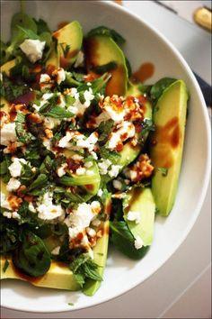 Salade d'avocat, mâche, roquette, feta, menthe fraîche - Veggie Recipes, Salad Recipes, Vegetarian Recipes, Cooking Recipes, Healthy Recipes, Soup Recipes, Diet Recipes, Healthy Salads, Healthy Eating