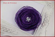 Mariage Pince cheveux fleur de mariée violet foncé et blanc