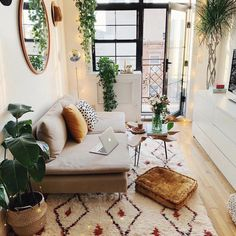 33 of the best modern boho living room ideas across the internet to give you inspiration in your next decorating project. home decor cozy living rooms small spaces Modern Boho Living Room Ideas - Nikola Kosterman Boho Living Room, Home Interior, Interior Design Living Room, Home And Living, Living Room Designs, Cozy Living, Living Room With Plants, Interior Ideas, Modern Interior