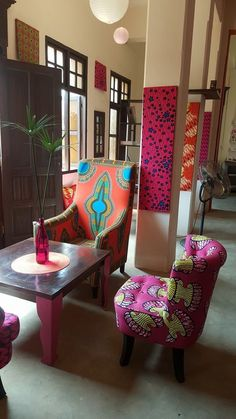 Using Art and Crafts in African Decor Baby Furniture Sets, Furniture Direct, Cheap Furniture, Furniture Assembly, African Room, African Interior Design, African Furniture, Ethnic Decor, African Home Decor