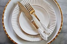 Transform your kitchen with Plasti Dip®! This vintage gold flatware has new white accents. Time to get crafty.