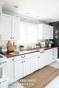 Drool Worthy Decor : Farmhouse Kitchens • Join us in our tour of some amazing bloggers Farmhouse Kitchens! Love this one, from Marian at 'Miss Mustard Seed'! Thanks for sharing your home with us Marian!