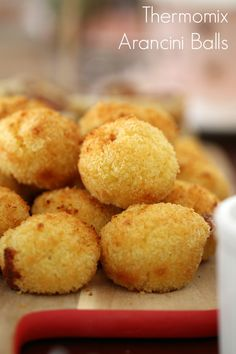 Use up your leftover risotto with these delicious oven-baked Thermomix Arancini Balls! The yummiest party food going around! Baby Food Recipes, Great Recipes, Cooking Recipes, Favorite Recipes, Rissoto Thermomix, Bellini Recipe, Savory Snacks, Savoury Recipes, Potato Recipes