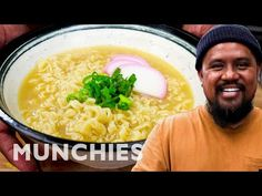 Chef Sheldon Simeon shares a comfort food from his home state of Hawaii: saimin noodle soup. Somewhat similar to ramen, Sheldon explains how this dish, found. Ramen Noodle Soup, Ramen Noodles, Hawaiian Saimin Recipe, Hawaiian Recipes, Asian Recipes, Ethnic Recipes, Japanese Recipes, Brunch, Food Goals