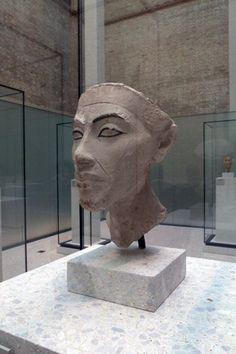 head akhenaten--if that's truly life like, then he was a striking man