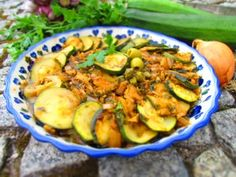 Zucchini with piquant sauce Maltese style