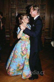 grand duc Henri du Luxembourg et grande duchesse marie Teresa du Luxembourg Nassau, Gabriel, Royal Monarchy, Maria Teresa, Grand Duke, Princess Anne, Elisabeth, Floral Fashion, Flower Power
