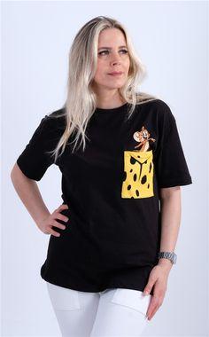 Cepli Figür Baskılı TshirtKumaş Cinsi  :%100 PamukModelin Ölçüleri : 1.68cm / 36 BedenModelin Üstündeki Beden :Small V Neck, T Shirt, Tops, Women, Fashion, Supreme T Shirt, Moda, Tee, Women's