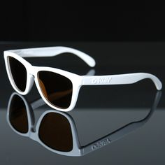 Clothing & Accessories classifieds: Wearing Oakley