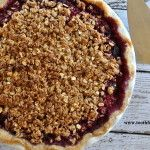 Cherry Pie Pplleease! Cherries are great for reducing inflammation.  This recipe is made #glutenfree and #vegan. Made with an oat topping and honey, this is low in sugar and #norefinedsugar.  If you omit the crust, you can save unnecessary calories.  #glutenfreepie #cherries #cherrypie #glutenfreedesserts #vegandesserts #antiinflammatoryfoods #toothfood www.toothfood.com
