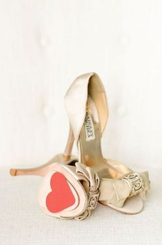 Lythwood loves these gold wedding shoes. The heart on the sole is just perfect! <3 #lythwood #weddings #shoes lythwoodweddings.co.za