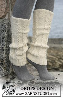 DROPS legwarmers with cables in 2 threads Alpaca. Free pattern by DROPS Design. Knitted Boot Cuffs, Knit Boots, Lace Knitting, Knitting Socks, Knitting Patterns Free, Knit Patterns, Knitted Hats, Knit Crochet, Free Pattern