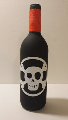 Black+Painted+Glass+Wine+Bottle+With+Skull+Decoration