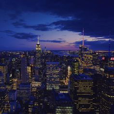 New York becomes a different city as the night comes! #nyc #newyork #empirestatebuilding #manhattan #skyline #cityscape #nightscape #sunset #bluehour http://fb.me/konzy.me