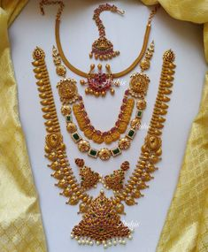 South Indian Bridal Jewellery, Indian Jewellery Online, Indian Jewelry, Jewelry Design Earrings, Gold Jewellery Design, Temple Jewellery, Saree Jewellery, Earrings With Price, Jewelry Patterns