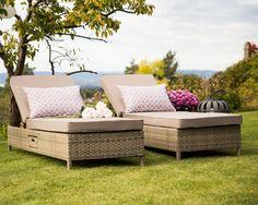 Hagemøbel, solsenger med liten skuff på siden. www.krogh-design.no/hage