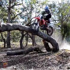 Funny Dirt Bike Crashes 2019 compilation 😂 - So Funny Epic Fails Pictures Stunt Bike, Motorcycle Memes, Motorcycle Bike, Dirt Bike Videos, Gif Motos, Motocross Videos, Dirt Bike Quotes, Bike Humor, Enduro Motocross