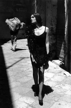 Carmen a Palermo _ Photo by Ferdinando Scianna, 1991.