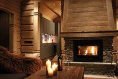 Interior Lighting Tips for Log Cabins Fireplace Lighting, Cabin Lighting, Log Cabin Living, Log Cabin Homes, Chalet Interior, Modern Interior, Interior Design, White String Lights, Soho House
