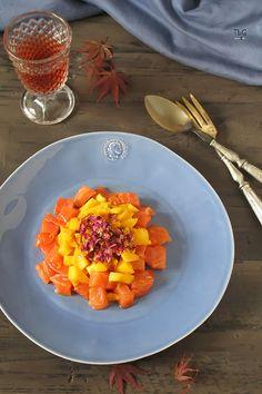 Salmón ahumado, mango y pétalos de rosa. - To be Gourmet