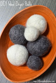 Be good to the Earth and good to your wallet by making these DIY Wool Dryer Balls! Easy to make, scented with Young Living Essential Oils, and inexpensive! Diy Cleaning Products, Cleaning Hacks, Wool Dryer Balls, Natural Cleaners, How To Make Diy, Young Living Essential Oils, Natural Living, Homemade Gifts, Easy Diy