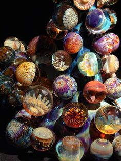 Glass Marbles ~ So pretty Marble Art, Glass Marbles, Glass Paperweights, Glass Ball, Paper Weights, Hand Blown Glass, Colored Glass, Belle Photo, Stained Glass