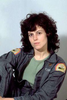 Sigourney Weaver as Ellen Ripley in Alien Science Fiction, Fiction Movies, Sci Fi Movies, Movie Tv, Alien Sigourney Weaver, Les Aliens, Aliens Movie, Alien Ripley, Alien 1979
