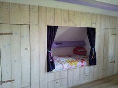 Meer dan 1000 idee n over lades onder het bed op pinterest stapelbed hoek aparte bedden en bedden - Mezzanine onder het dak ...