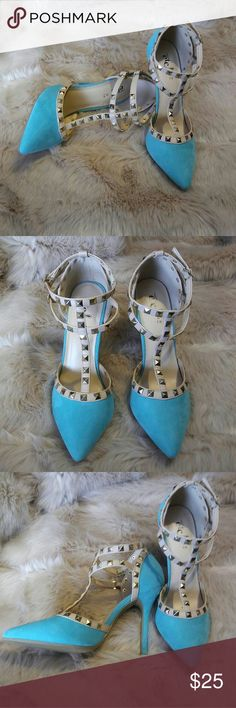 Rue21 mint heels with gold studs Brand new rue21 mint heels with gold studs size: 7/8. I wear a size 8 and they fit me well. rue21 Shoes Heels