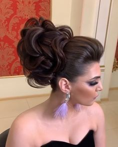 Glam Updo Styles For Wedding! Do you wanna see more fab hairstyle ideas and tips for your wedding? Then, just visit our web site babe! Up Hairstyles, Braided Hairstyles, Wedding Hairstyles, Hairstyle Ideas, Braided Updo, Updo Styles, Short Hair Styles, Natural Hair Styles, Hair Upstyles