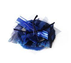 Gemma Rabionet, BROOCH BLUMEN: A brooch made of fabric