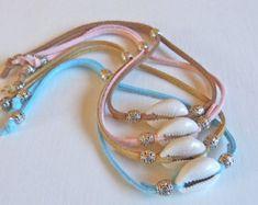 feather bracelet beach bohemian bracelet por beachcombershop