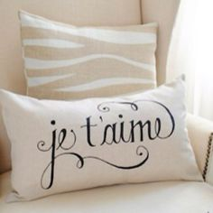 need these two pillows...<3