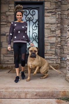 11 Daily Routines To Live A Happy Healthy Life | Hello Fashion. Purple stars sweatshirt+black mesh leggins+black sneakers. Winter Casual Outfit 2017