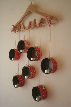 Diy: Hanging Tin Lanterns For X-mas DIY: HangingTin Lanterns For X-mas Do-It-Yourself Ideas Recycling Metal Tin Can Crafts, Diy Home Crafts, Diy Home Decor, Upcycled Crafts, Diy Christmas Decorations Easy, Christmas Crafts, Christmas Candles, Nordic Christmas, Modern Christmas