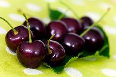 Nejlépe se k výrobě griotky hodí tmavé, šťavnaté odrůdy třešní, nebo višně.