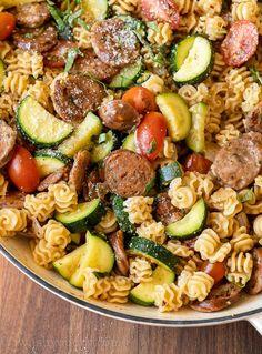 Chicken Zucchini Pasta, Zucchini Pasta Recipes, Chicken Sausage Pasta, Easy Chicken Dinner Recipes, Vegetable Pasta, Chicken Pasta Recipes, Chicken Flavors, Vegan Zucchini, Small Pasta