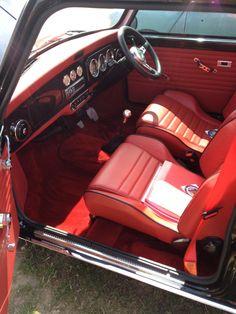 .Interior Old Mini Cooper, Mini Cooper Custom, Mini Cooper Classic, Classic Mini, Classic Cars, Lux Cars, Retro Cars, Mini Cooper Interior, Micra K11