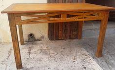 Mesa de madeira de demolição peroba rosa.  MEGA PROMOÇÃO!  R$ 750,00 Reais.  Medida: 1,45 x 0,94 x 0,80 altura.  1 Ano de garantia.  Pronto entrega!!!