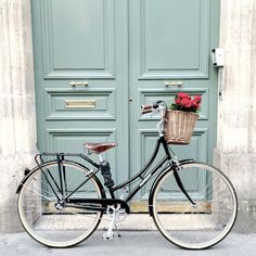 Excellent Moto bike photos are readily available on our internet site. Take a look and you wont be sorry you did. Bike Photography, Tumblr Photography, Home Design, Bicycle Basket, Bicycle Decor, Bicycle Shop, Cycling Holiday, Bicycle Workout, Cycle Chic