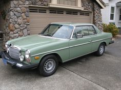 1975 Mercedes Benz 280C - mint green