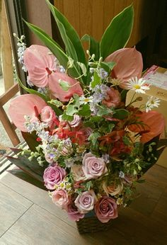 花ギフトのプレゼント【BFM】   ピンク色の主張  そんなフラワーアレンジメント http://www.basketflowermarkets.com