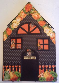 Graphic 45 An Eerie tale scrapbooking mini album and house stand tutorial - By Anne Rostad  House for the beast and the beauty