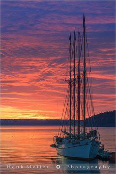 Sunrise with Schooner The Margaret Todd at Bar Harbor, Acadia N.P, Maine. Corsica, Cruise Italy, Bar Harbor Maine, Sailing Holidays, Boat Rental, Boat Hire, Luxury Yachts, Tall Ships, Sardinia