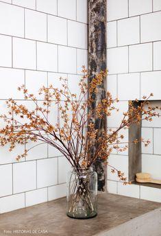 Arranjo de flores secas no banheiro Home Projects, Ladder Decor, Floral, Nature, Design, Diy, Bujo, Bouquets, Home Decor