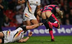 Basically, rugby is just full of butts. Definitive Proof That Rugby Is The Best Sport For Butts Rugby League, Rugby Players, Rugby Funny, Funny Football, Leeds Rhinos, Sports Fails, Rugby Men, Beefy Men, Athletic Men