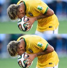 Neymar Jr.  .  . Love the Game <3